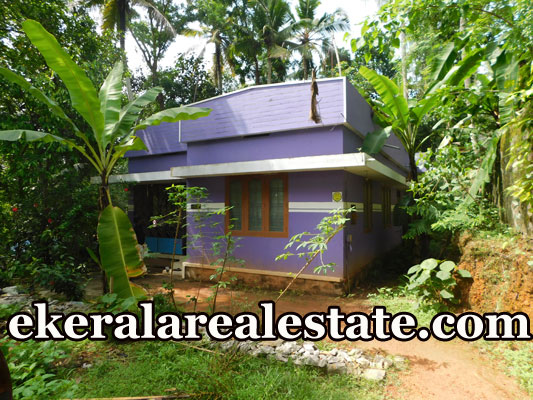 15-cents-land-and-old-house-sale-in-Sreekaryam