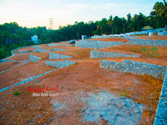 below 4.5 lakhs per cent land sale in pothencode